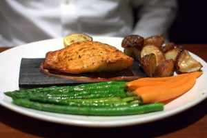 salmón-con-verduras-al-horno